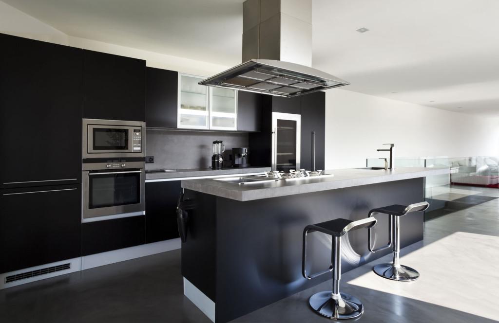 מטבח שחור ייחודי באתר kitchen